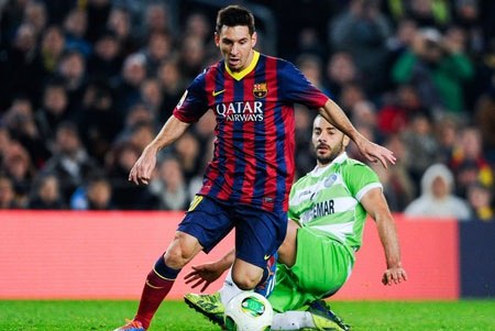 Vừa trở lại sau chấn thương, Messi lập tức bùng nổ