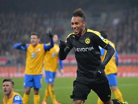 Aubameyang rực sáng đem về chiến thắng cho Dortmund