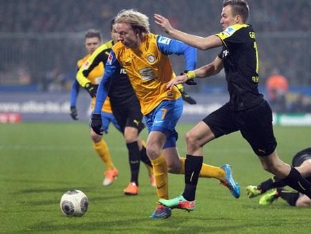 Dortmund trải qua 90 phút thi đấu chật vật trước Braunschweigs