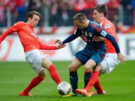 Mainz gây ra vô vàn khó khăn cho Bayern