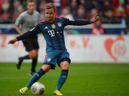 Gotze ấn định tỉ số cho Bayern