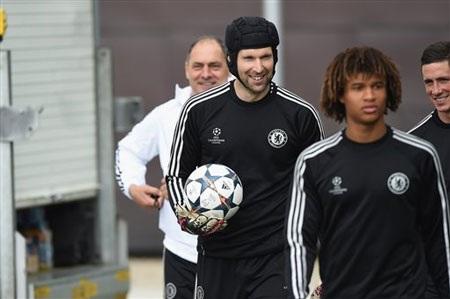 Petr Cech sẽ trở lại vào mùa giải sau