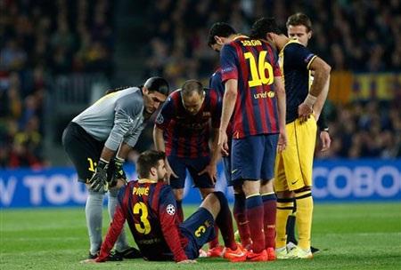 Pique dính chấn thương là một tổn thất to lớn đối với Barca