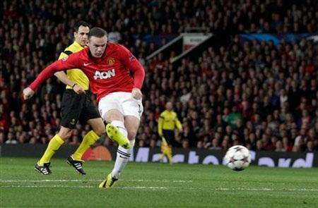 Dante đánh giá cao khả năng của Rooney