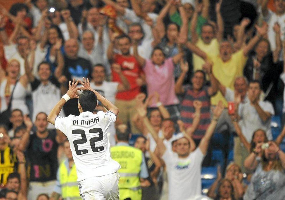 Di Maria chuyển đến Real Madrid từ Benfica với mức giá 25 triệu euro.