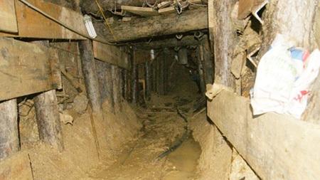 """Thám hiểm đường hầm """"sinh ra"""" 12 công nhân lần nữa"""