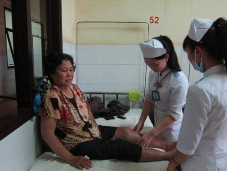 Có 18 nạn nhân được đưa vào bệnh viện cấp cứu, một trường đang nguy kịch.
