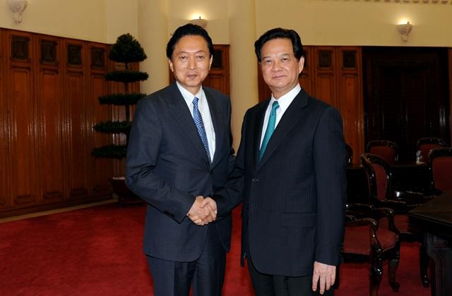 Thủ tướng Nguyễn Tấn Dũng tiếp ông Yukio Hatoyama tại trụ sở Chính phủ.