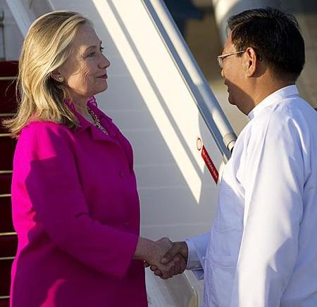 Chuyến thăm lịch sử tới Myanmar của Ngoại trưởng Clinton - 1