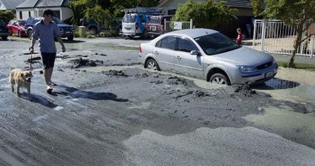 4 trận động đất ở New Zealand biến mặt đất thành bùn - 3
