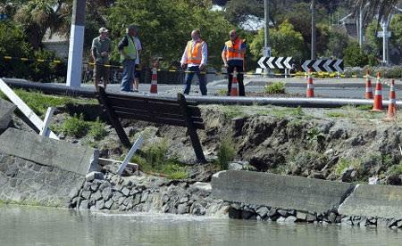 4 trận động đất ở New Zealand biến mặt đất thành bùn - 5