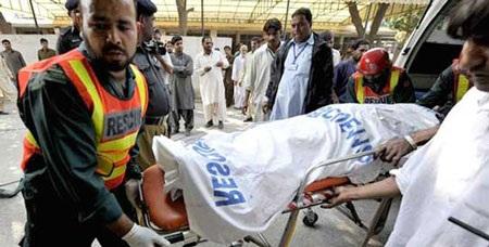 Pakistan: Sập nhà máy, 3 người chết, 100 người mắc kẹt - 2