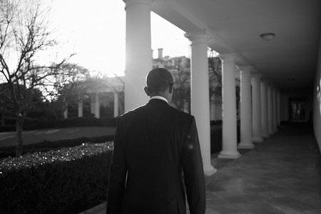 """""""Hậu trường"""" một ngày làm việc của Obama - 12"""