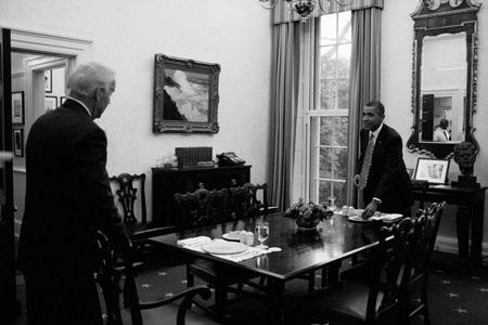 """""""Hậu trường"""" một ngày làm việc của Obama - 16"""