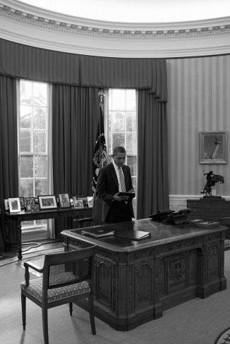 """""""Hậu trường"""" một ngày làm việc của Obama - 4"""