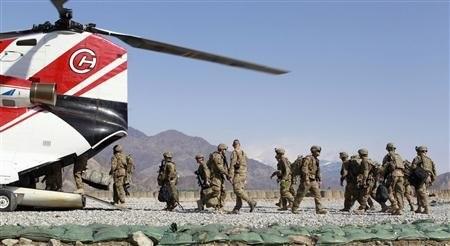 Mỹ lúng túng trước yêu cầu rút quân bất ngờ của Tổng thống Afghanistan