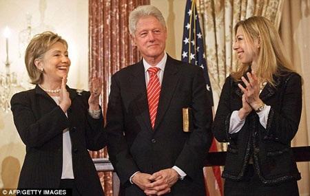 Hé lộ ảnh ngoại trưởng Mỹ Hillary Clinton năm 22 tuổi