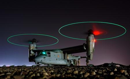 """Hình ảnh tuyệt đẹp của máy bay vận tải cánh quạt V-22 """"Osprey"""""""
