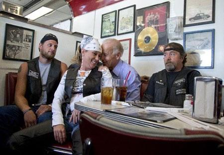 Những hình ảnh hài hước nhất trong cuộc đua vào Nhà Trắng