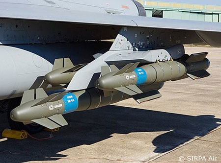 Cận cảnh tên lửaAASM lắp dưới cánh máy bay Rafale