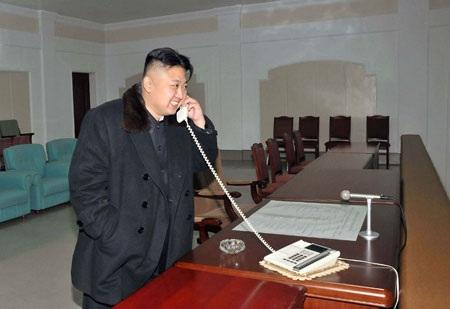 Ảnh lãnh đạo Triều Tiên đích thân chỉ huy vụ phóng tên lửa