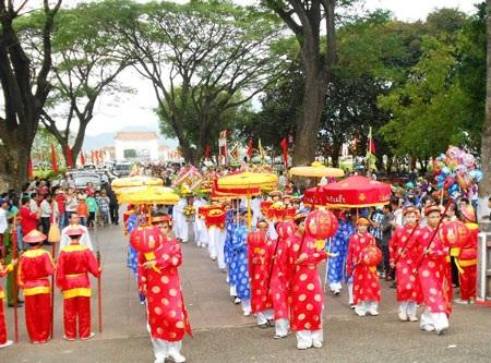 Nghi thức dâng lễ vật tại Điện thờ Tây Sơn – Tam Kiệt