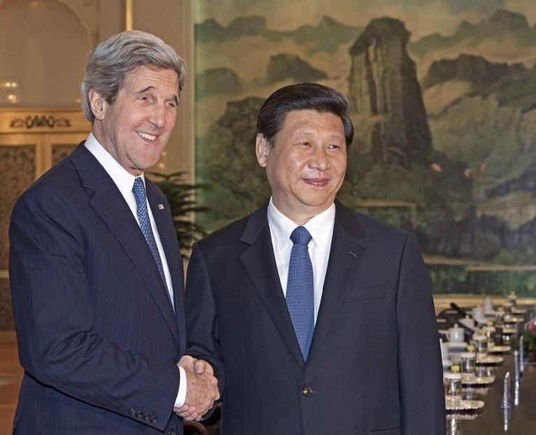 Ngoại trưởng Mỹ Kerry trong cuộc gặp với Chủ tịch Trung Quốc Tập Cận Bình ngày 13/4 tại Bắc Kinh.