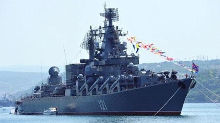 """Tuần dương hạm hạng nặng Moskva của Nga mang theo 16 """"sát thủ chống tàu sân bay"""""""