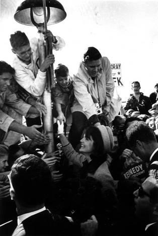 Nhìn lại ngày Tổng thống Kennedy bị ám sát 50 năm trước