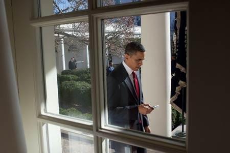 Tổng thống Obama dùng điện thoạiBlackBerry.