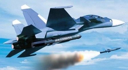 Sukhoi_30 KMI nếu được trang bị tên lửa sẽ khiến đối phương phải dè chừng. Ảnh: BrahMos