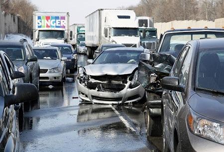 Vụ tai nạn xảy ra đúng vào giờ cao điểm buổi sáng.