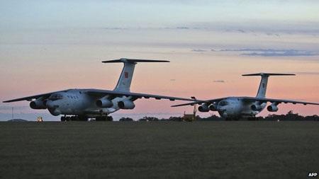 Hai máy bay quân sự Trung Quốc gia nhập đội tìm kiếm quốc tế.