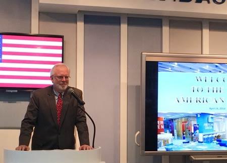 Đại sứ Hoa Kỳ tại Việt Nam David Shear tại lễ khai trương Trung tâm Hoa Kỳ mới ở Hà Nội ngày 14/4.
