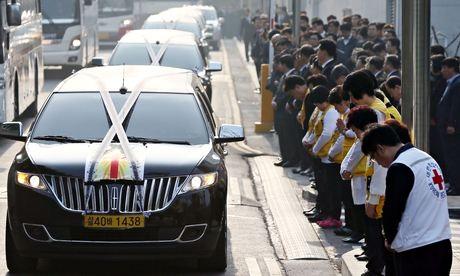 Tang lễ dành cho một số nạn nhân vụ đắm phà Sewol.