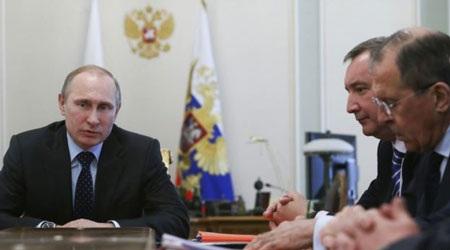 Tổng thống Nga Putin trong cuộc họp chính phủ ngày 9/4.