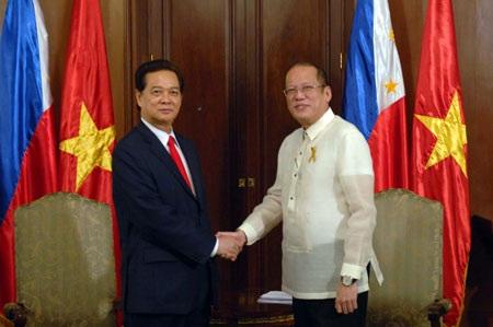 Việt Nam-Philippines quan ngại sâu sắc về tình hình đặc biệt nguy hiểm trên Biển Đông