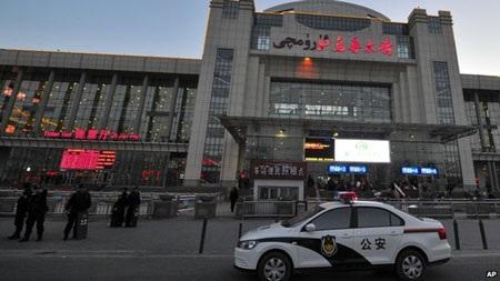 Vụ việc xảy ra ở nhà ga lớn nhất Tân Cương.