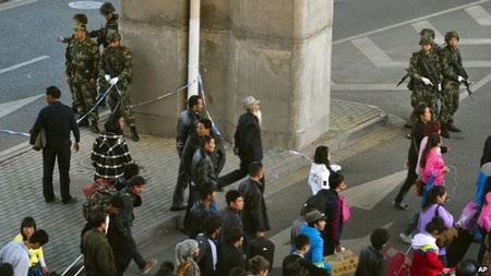 Một loạt vụ tấn công khủng bố có liên quan đến Tân Cương đã được thực hiện trong thời gian gần đây.