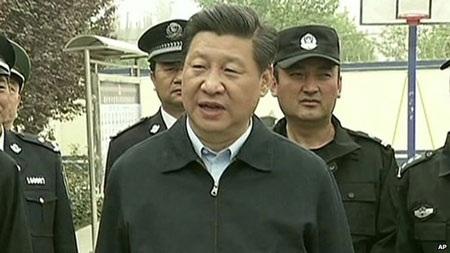 Vụ tấn công xảy ra đúng ngày Chủ tịch Trung Quốc Tập Cận Bình kết thúc chuyến thăm Tân Cương.