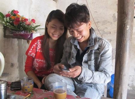 Vợ chồng Quang - Tĩnh vẫn không nhịn được cười mỗi khi xem lại clip rước dâu của mình.