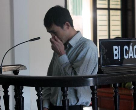 Ông giám đốc khóc nức nở khi được nói lời nói sau cùng trước khi HĐXX nghị án.
