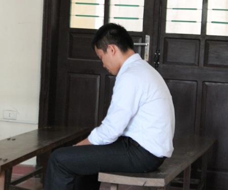 Bị cáo Vi Ngọc Đồng trước vành móng ngựa.