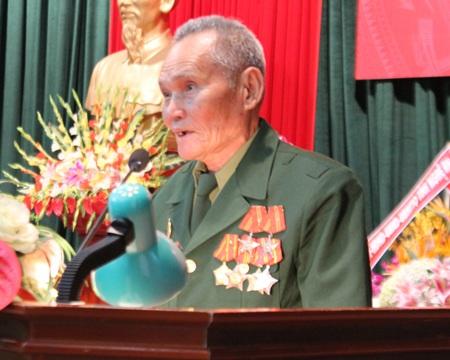 Cựu chiến binh Đặng Văn Lý bùi ngùi nhớ về những đồng đội đã hy sinh.
