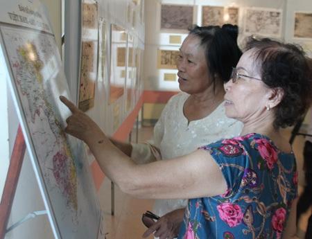 Triển lãm thu hút sự chú ý của giới nghiên cứu cũng như các tầng lớp nhân dân.