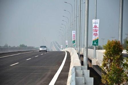 Các phương tiện lưu thông trên cao tốc HLD được chạy tối đa 120km/h kể từ ngày 1/1/2014
