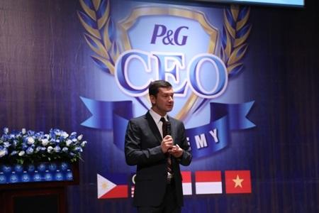 Ông Emre Olcer- TGĐ P&G Việt