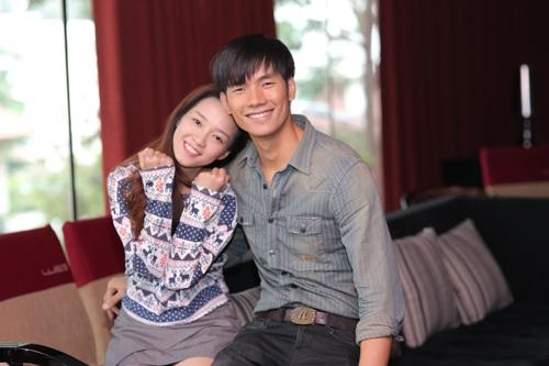 Đinh Hương và Nhan Phúc Vinh được xem là cặp đôi thu hút chú ý ngay từ đầu chương trình