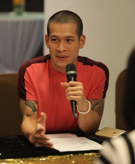 Việt Tú được Lý Nhã Kỳ tin tưởng giao trọng trách làm đạo diễn cho show diễn của mình
