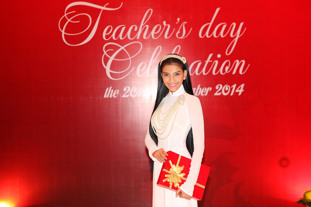 Sự xuất hiện của Á hậu Trương Thị May thu hút ánh nhìn của không ít người có mặt tại sự kiện.